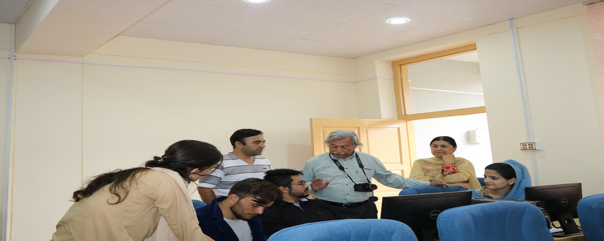 Prof. Dr. Qasim Jan visits campus